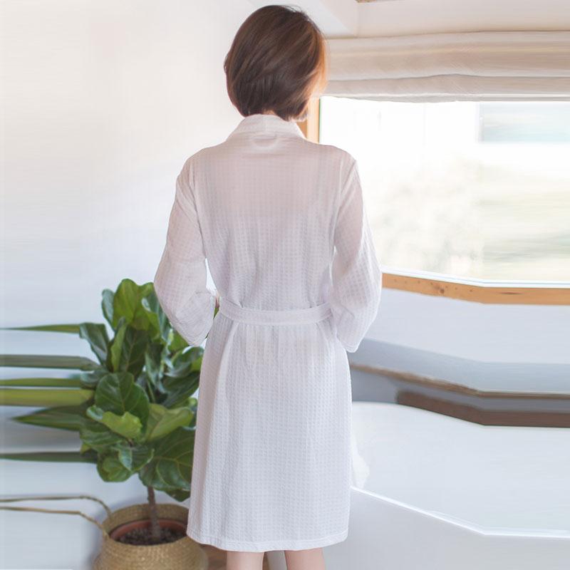 穿上舒服的睡衣 做个甜美的梦